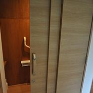 トイレ扉の画像